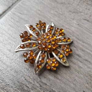 Bundle of 2 Brooches - 1 Bronze Brown & 1 Flower